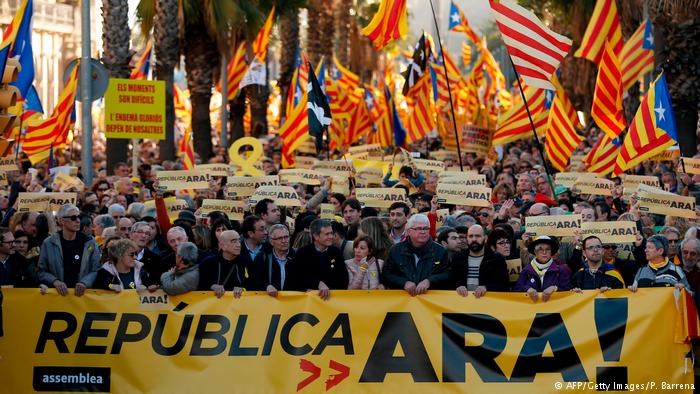 Tens of thousands rally to demand delivery of Catalan independence referendum result